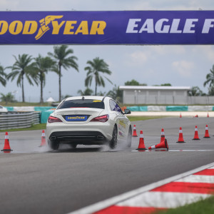 Goodyear Eagle F1 Asymmetric 3 Launch Action Shot_4